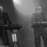 front242_8